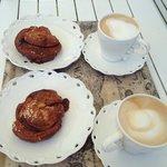 Kanelbullar und Cappuccino