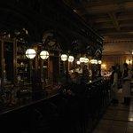Bar en rez de chaussée