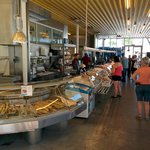 Photo de Ravnkloa Fish Market
