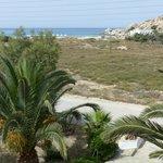 Vue sur la plage et le rocher