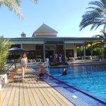 Restaurant vue de la piscine