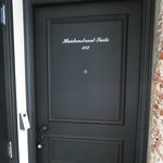 door to Huidenstraat Suite