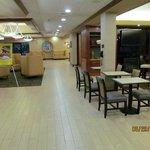 Lobby area - very nice!