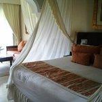 Room 3009 (Royal Service)