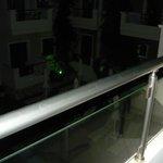 il terrazzo sulla piscina