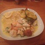 Broiled sampler platter/Seafood Fest