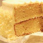 SPONGE cake at lola's cupcakes!!