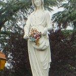 Statue de Sainte Germaine de Pibrac