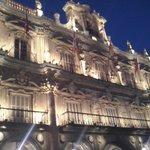 A beleza da Plaza Mayor a noite. Incrível!