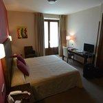 Standard room at at Hotel Palacio San Fucundo.