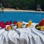 Desayuno en la terraza para comenzar bien el dia.