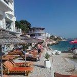 Che posto incantevole la spiaggetta dell'Hotel Jaroal
