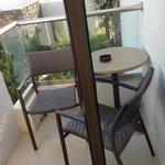 V.Small balcony - room 957 (garden view)