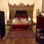 Our suite...had a fireplace, but non-operative because of the age of the hotel.  A beautiful roo