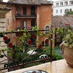 Vista sui tetti di Roma eccellente dalla sala colazione