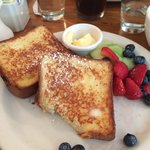 French toast with fresh fruits.. Yummy..
