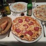 Pizza Salami und andere Spezialitäten