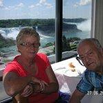 Les Chutes de Niagara vue du 10em étage d'un restaurant dont j'ai oublié le nom