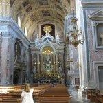 Panoramica interna della Chiesa del Gesù Nuovo