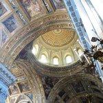 La Cupola ed gli affreschi della Chiesa del Gesù Nuovo