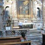 Panoramica dell'altare e Tomba di San Giuseppe Moscati