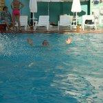 Один из 2-х бассейнов