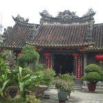 Il tempio con l'altare della dea Thien Hau