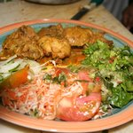 Poulet au curry et crudités