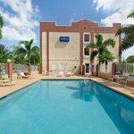 Baymont Inn & Suites Universal Studios