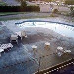 eau corrompue et beton dépeint