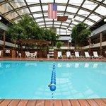Midway Hotel & Suites Brookfield