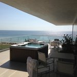 King Ocean Front Jacuzzi Suite