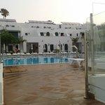 piscinas (muy limpias y de agua salada)