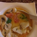 Una zuppa squisita di pollo, latte di cocco, champignon e peperoncino!!