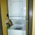 2-br. Townhome In unit laundry. Detergent supplied.