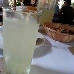Pedi agua de lima por que no me gusta la limonada y me trajeron limonada :(
