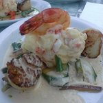 seared fresh sea scallops & jumbo shirmp