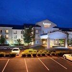 Fairfield Inn & Suites Richmond Northwest