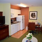 Dining/Kitchenette area