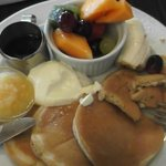 yummy pancakes with fresh fruit