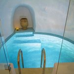 Wellness Grotto Pool