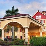 Welcome to the Hawthorn Suites Naples