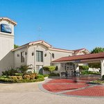 Welcome to the Baymont Inn and Suites Longview