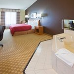 CountryInn&Suites Watertown WhirlpoolSuite