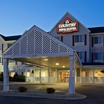 CountryInn&Suites Watertown ExteriorNight