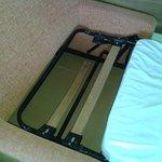 Doga del letto vecchia e rotta