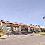 Welcome to the Days Inn Camarillo - Ventura