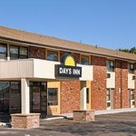 Welcome to the Days Inn Iselin  Woodbridge
