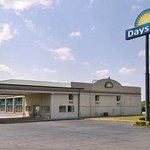 Welcome to the Days Inn Byron - Hwy 49
