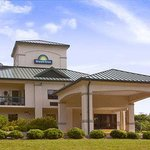 Welcome to the Days Inn Chapel Hill